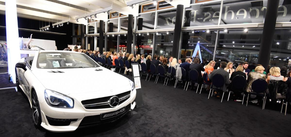 11.Woman-Business-Lounge-Mercedes-b6-Dinner